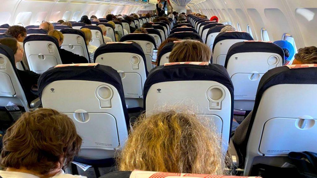 Coronavirus : un vol Air France Paris-Marseille complet fait polémique