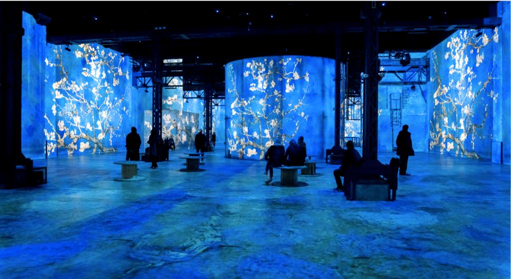 Les expositions numériques de l'Atelier des Lumières viennent à vous pendant le confinement !