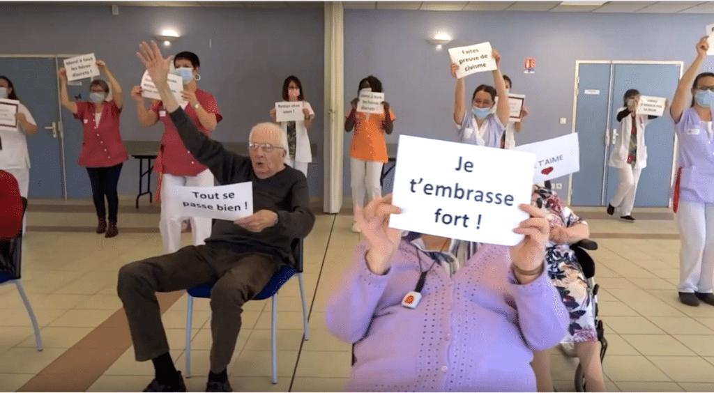 « Pensez à nous, restez chez vous » la touchante vidéo des résidents d'un Ehpad fait le buzz !