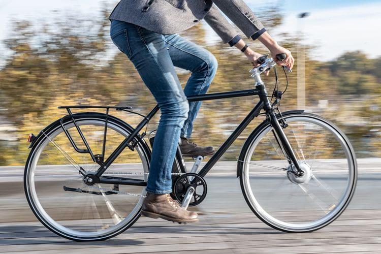 Une aide de 400 euros pour inciter les employés à venir au travail en vélo ou en transports durables !
