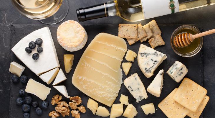 Confinement : la meilleure dégustation de fromages se savoure en ligne !