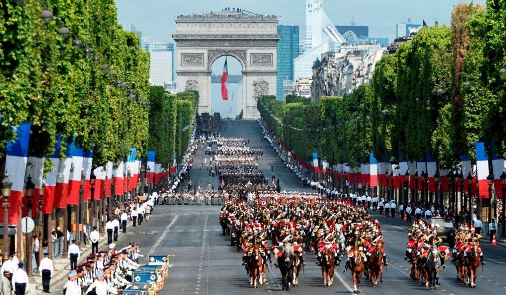 14 juillet : le défilé militaire sera remplacé par un hommage aux soignants !