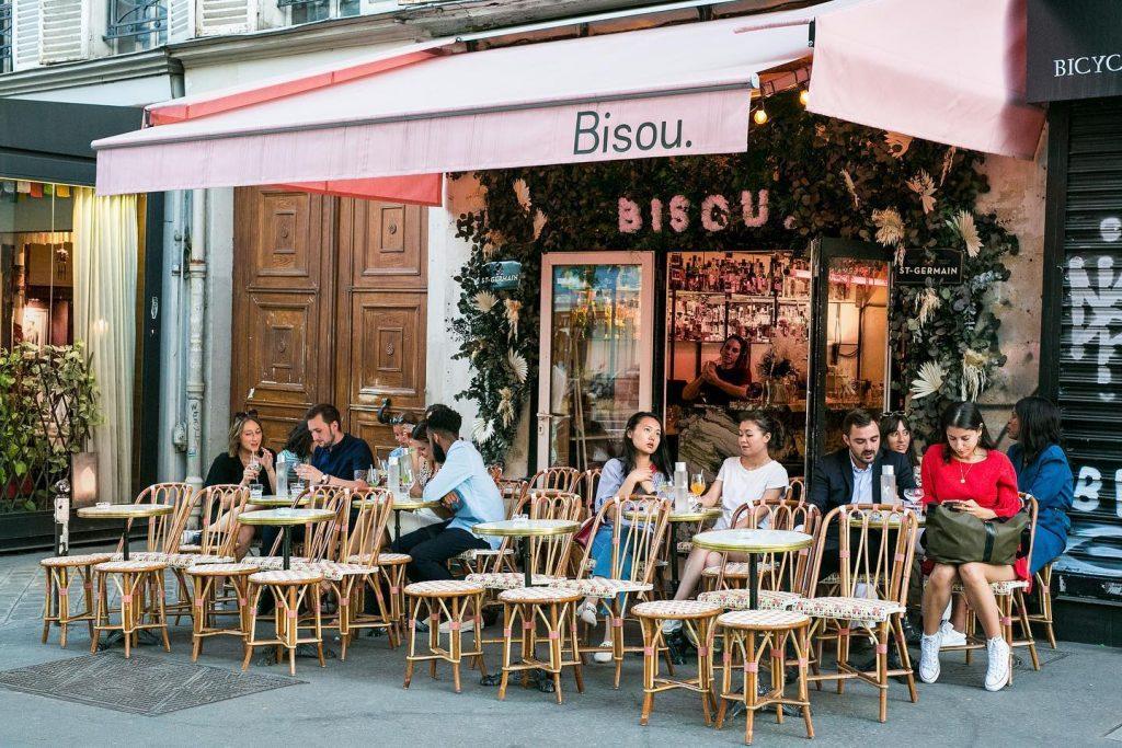Paris : les cafés, bars et restaurants autorisés à s'étendre sur les rues et trottoirs dès le 2 juin !