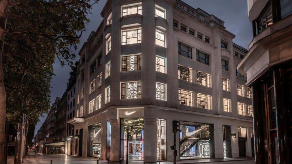 Paris : Le nouveau magasin Nike flagship ouvre ses portes sur les Champs-Élysées !