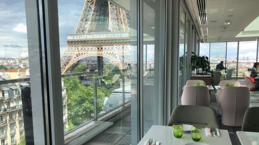 Frame, le rooftop éphémère face à la Tour Eiffel !