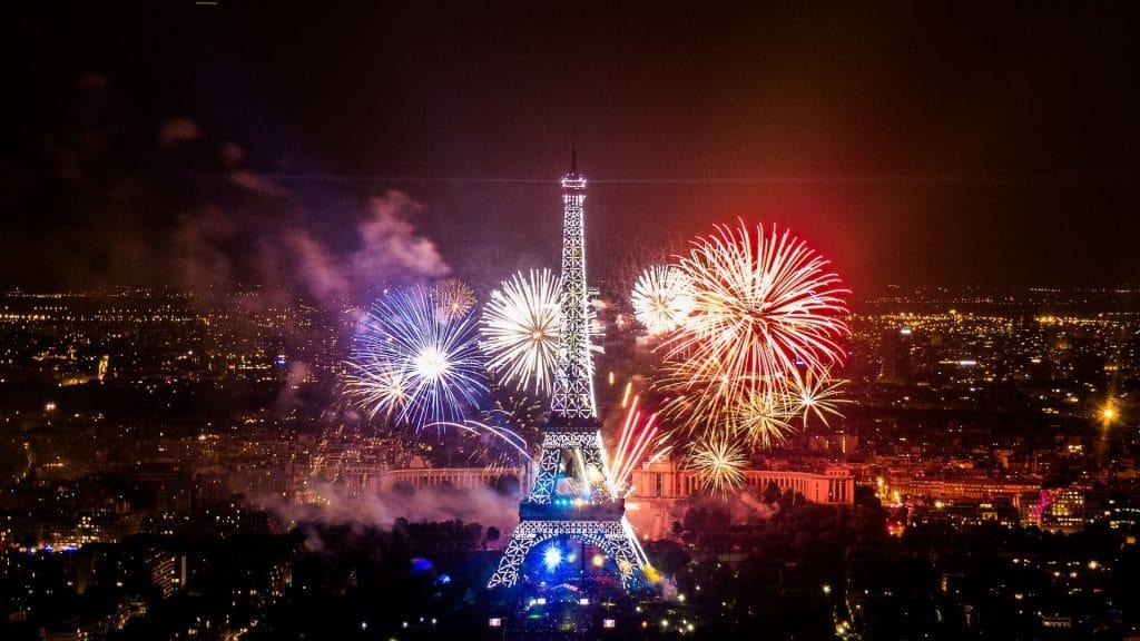 Le feu d'artifice du 14 juillet tiré de la Tour Eiffel aura bien lieu (mais sans public) !