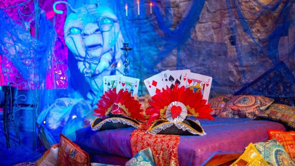 Mad Hatter : La Gin & Tea Party du Chapelier Fou aura lieu dans un incroyable loft parisien à la rentrée !