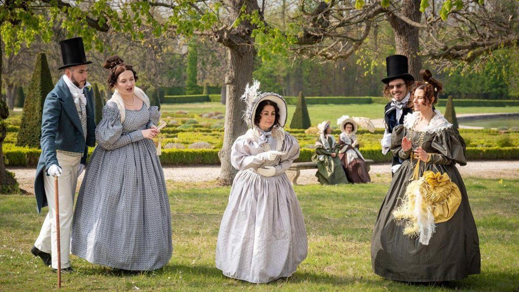 Paris : Une journée habillée en costumes d'époque au Château de Champs-sur-Marne !