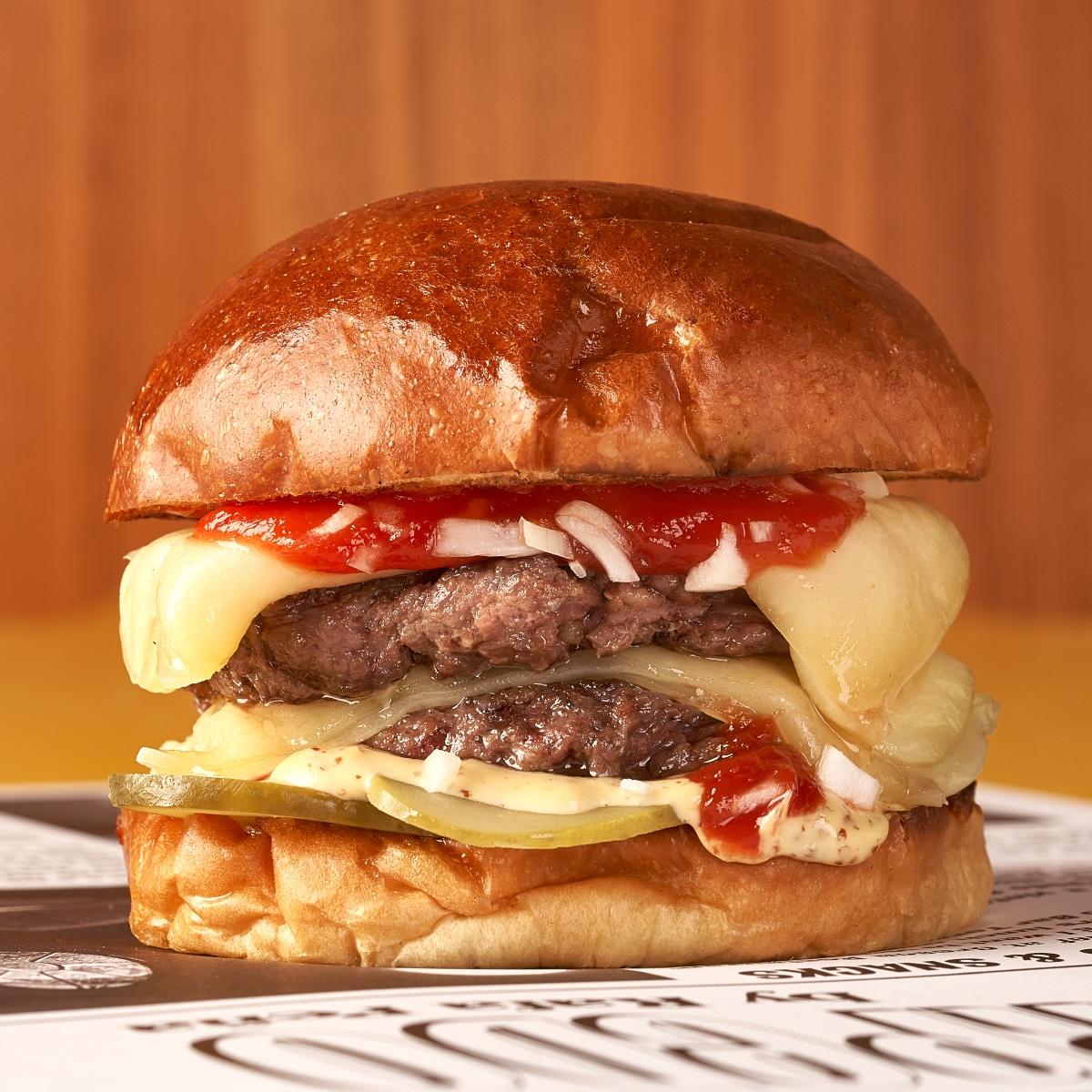 Royale with Cheese torpedo burger paris