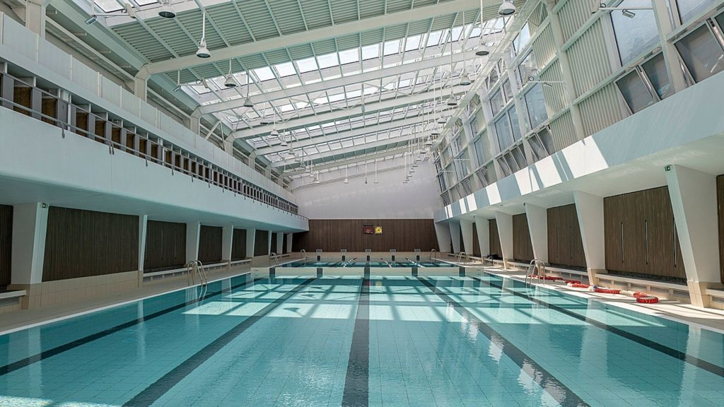La piscine Blomet rouvre ses portes à Paris !