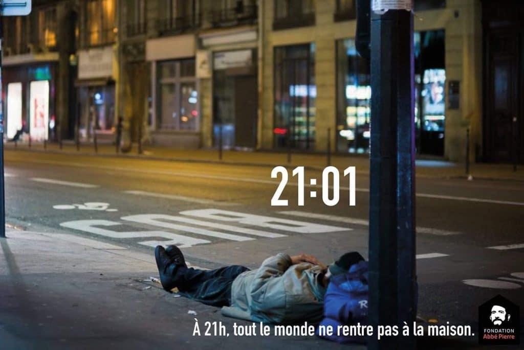 À 21h tout le monde ne dort pas à la maison campagne pub sans-abris couvre-feu Fondation Abbé Pierre
