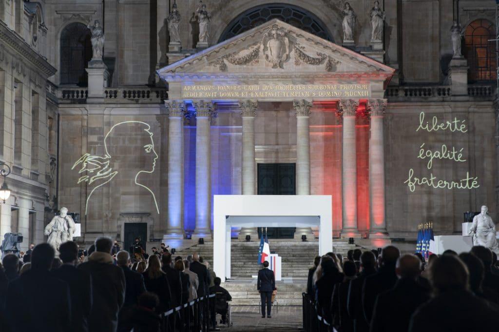Hommage national de Samuel Paty à la Sorbonne : les images fortes de la Cérémonie !