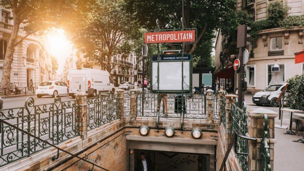 metro paris noms de femmes ligne 4 sud