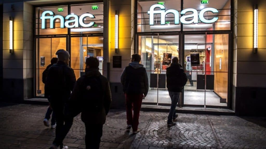 Fnac Darty magasins restent ouverts reconfinement