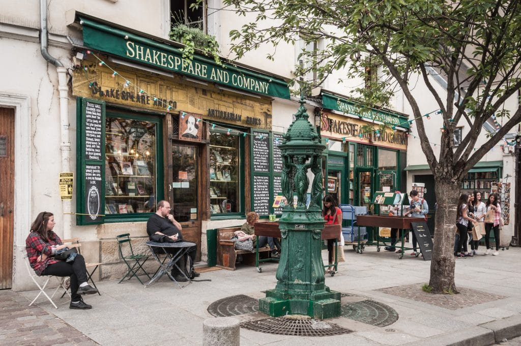 Paris : en grande détresse financière, la célèbre librairie Shakespeare & Co. appelle les clients à l'aide !