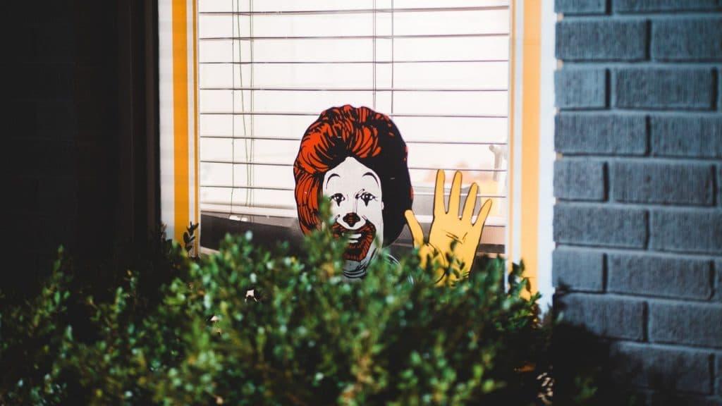 burger king mcdonald's coronavirus livraison paris pub solidarité