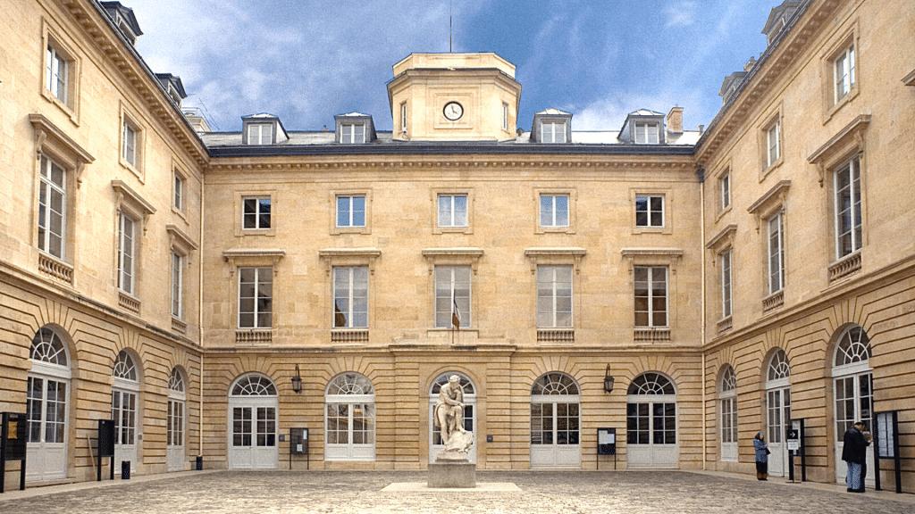 College de France 10 000 cours gratuits en ligne
