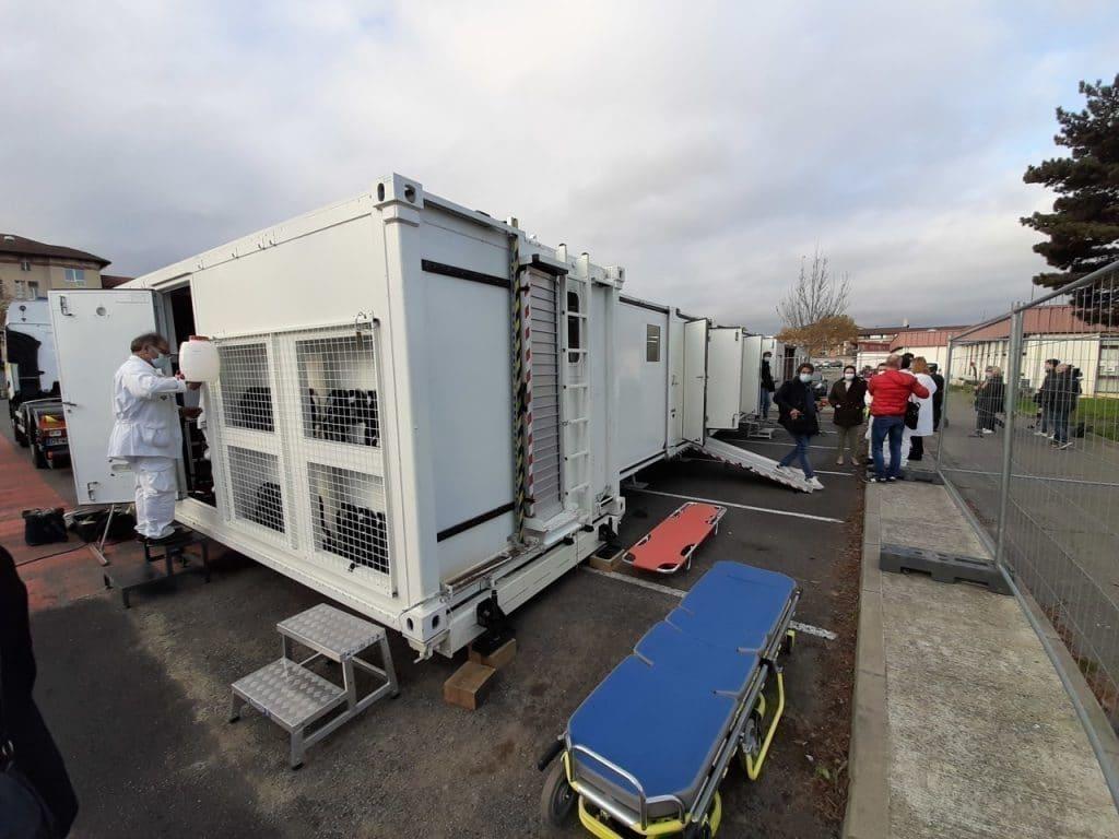 Hôpital mobile unique au monde France Covid-19