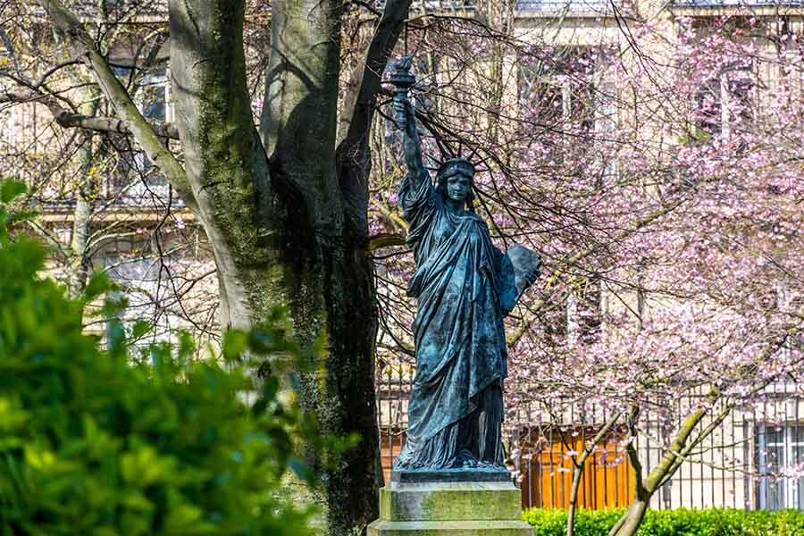 statue-de-la-liberté-Paris-jardin-du-luxembourg
