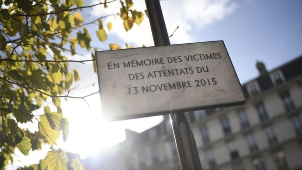 attentats 13 novembre 2015 paris hommage commémorations