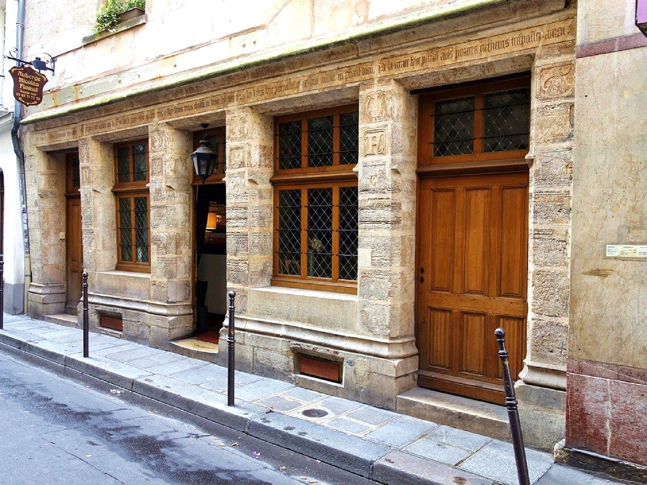 maison-medievale-a-paris nicolas flamel 1407 moyen age plus ancienne maison