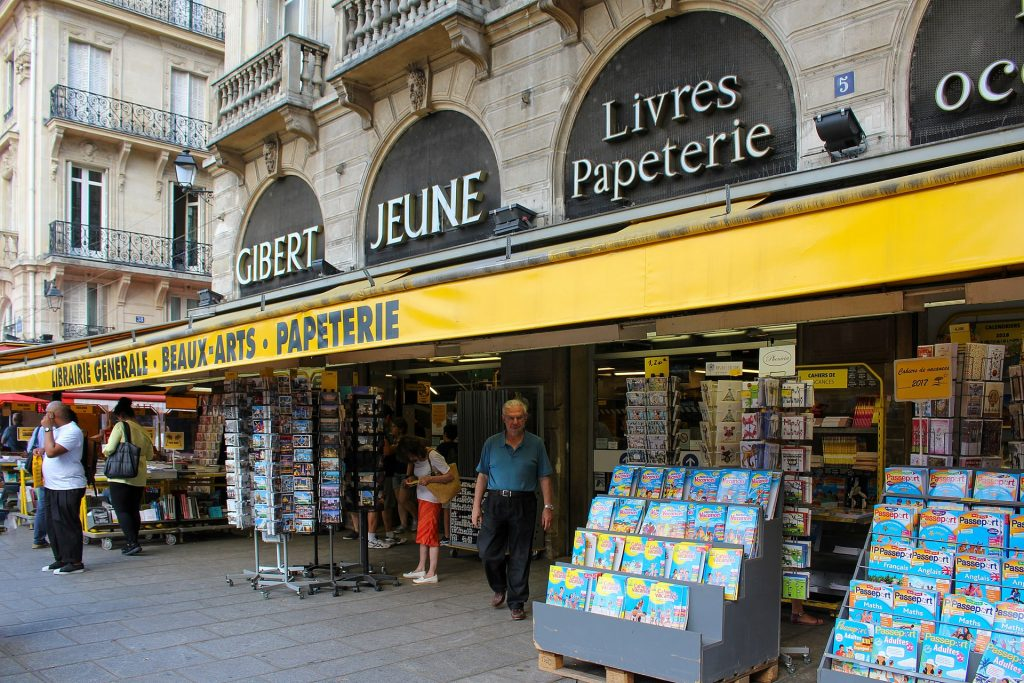 Paris fermeture Gibert Jeune librairie Saint-Michel quartier Latin