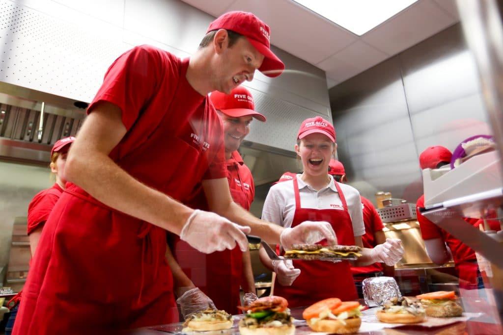 Ouverture 18ème restaurant fast food Five Guys Paris Les Halles