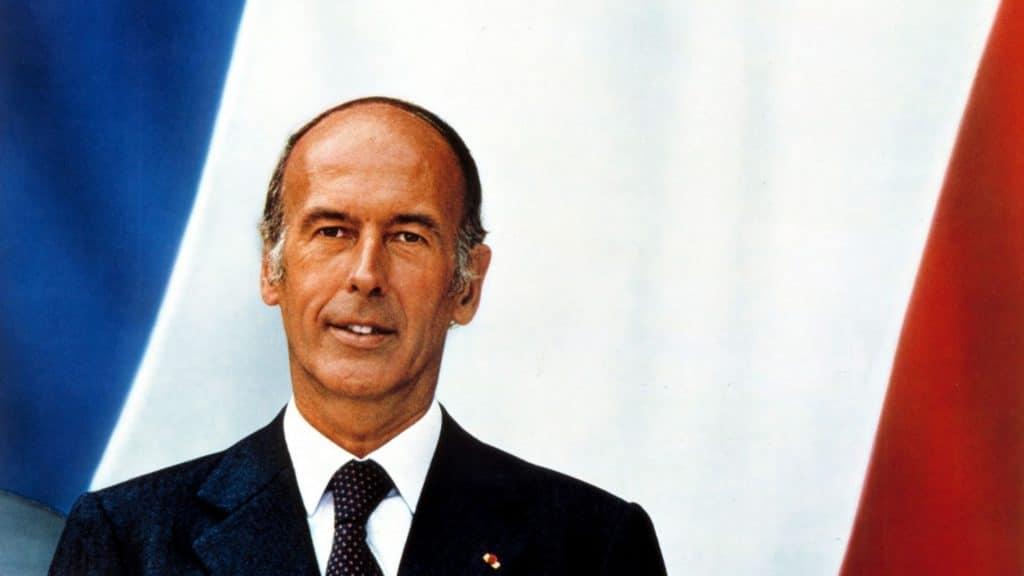 valéry giscard d'estaing mort portrait officiel paris