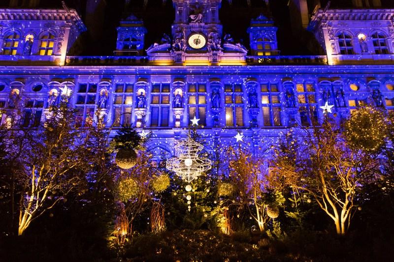 Forêt illuminée Noël 2020 illuminations Parvis de l'Hôtel de Ville