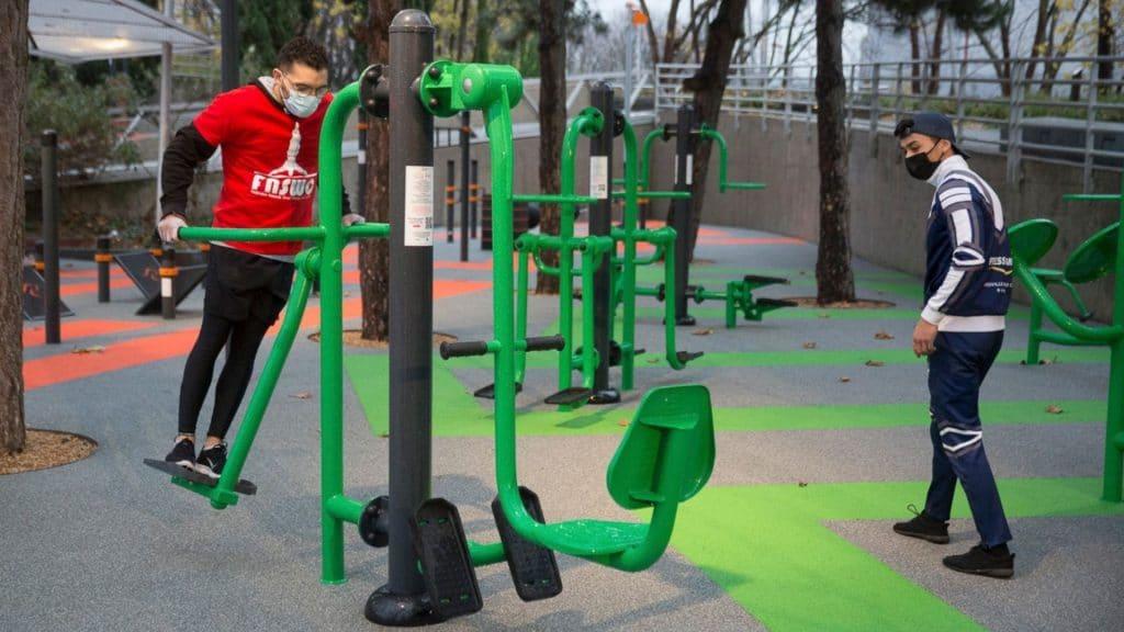 street workout paris la villette parc sportif plein air