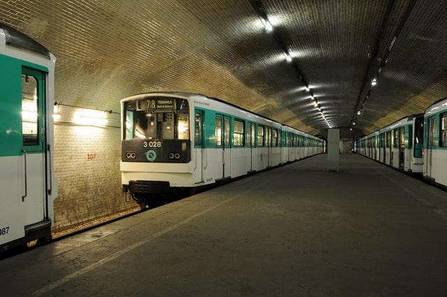 porte molitor ligne 10 station fantome fermée abandonnée paris