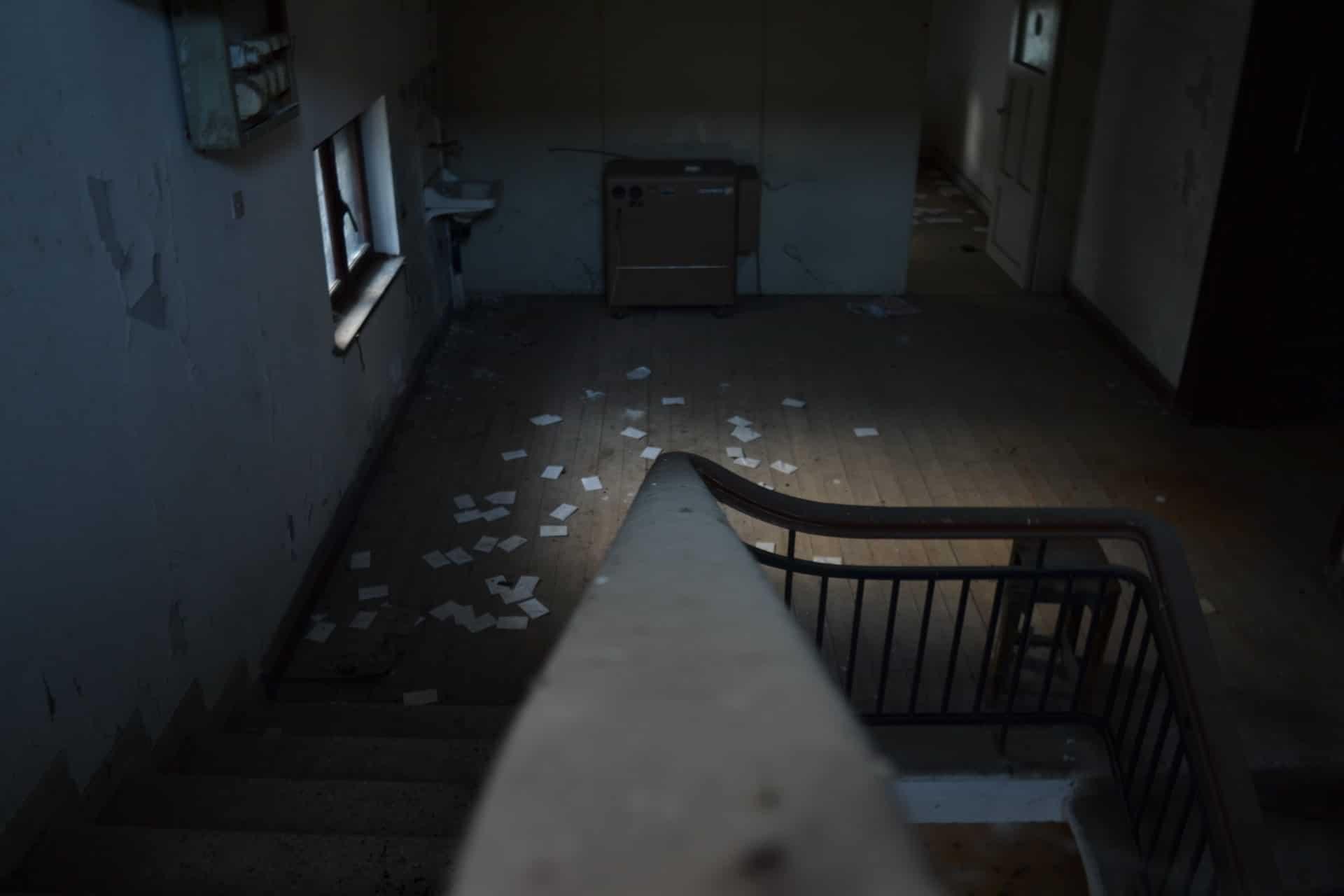 appartement abandonné paris homme à la redingote albert einstein jean romier alphonse berruyer voyage dans le temps