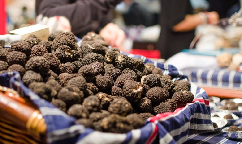 Premier marché truffe noire Ile-de-France truffe Périgord Courbevoie janvier 2021