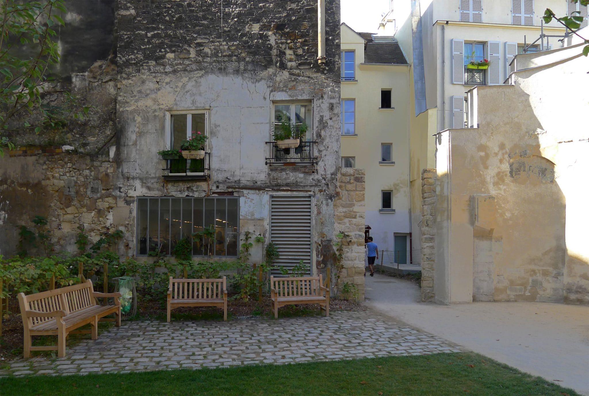 jardin des rosiers paris marais tour enceinte philippe auguste vestige histoire