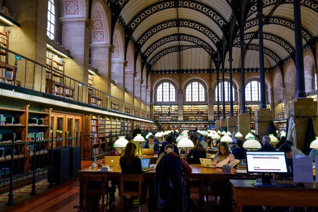 bibliothèque - médiathèque - musique - collection - concerts - partitions - musique - instruments - cours en ligne - écoute en ligne