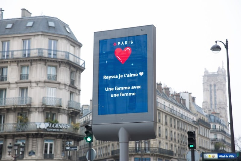 Saint Valentin 2021 Ville de Paris mots d'amour déclarations panneaux d'information