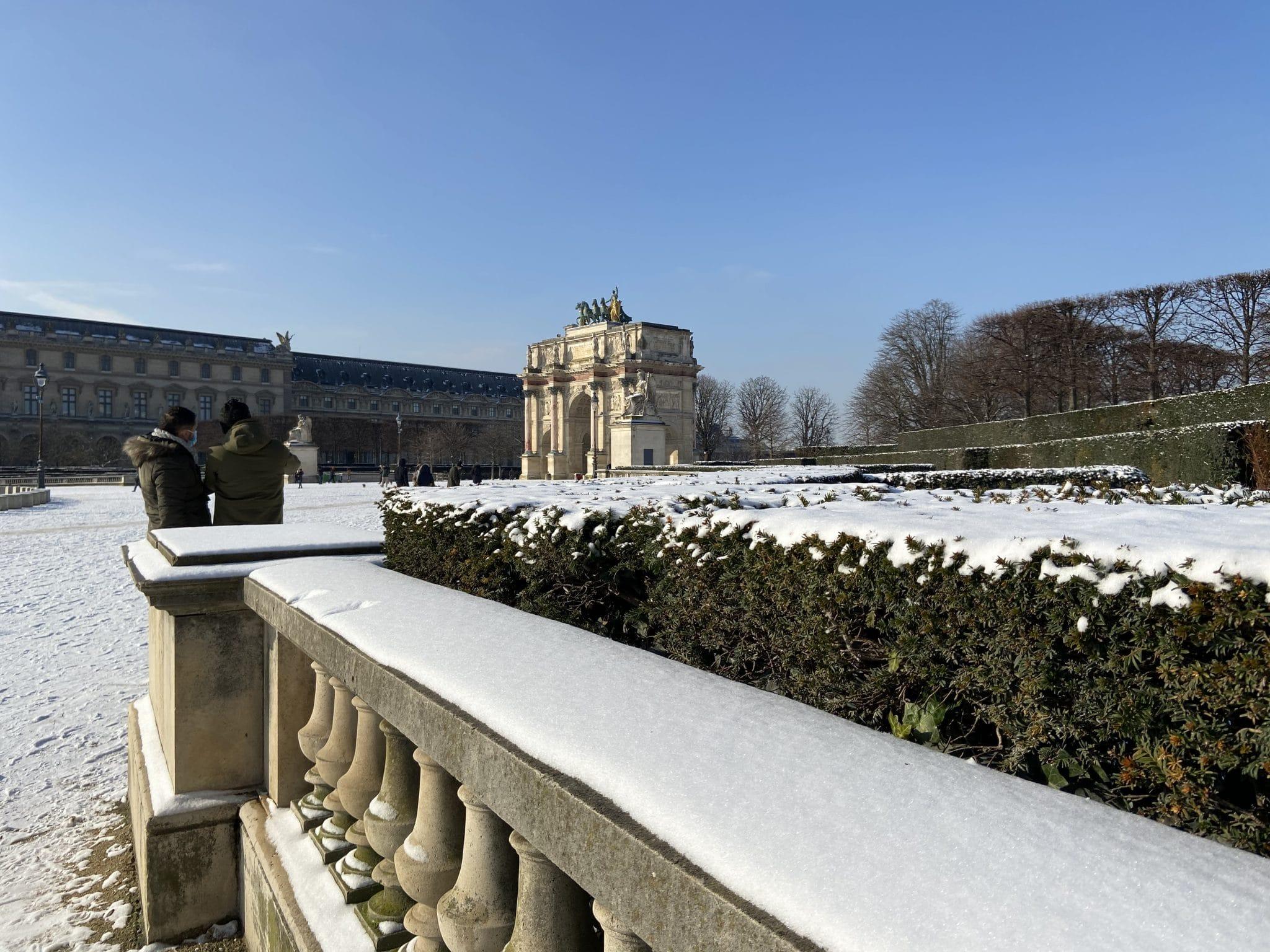 neige paris février hiver tuileries louvre parc