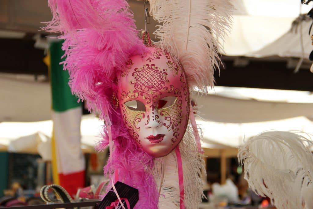 venise - carnaval - en ligne - streaming - live - masques - costumes - italie - paris - vol - danse - spectacles - opéra
