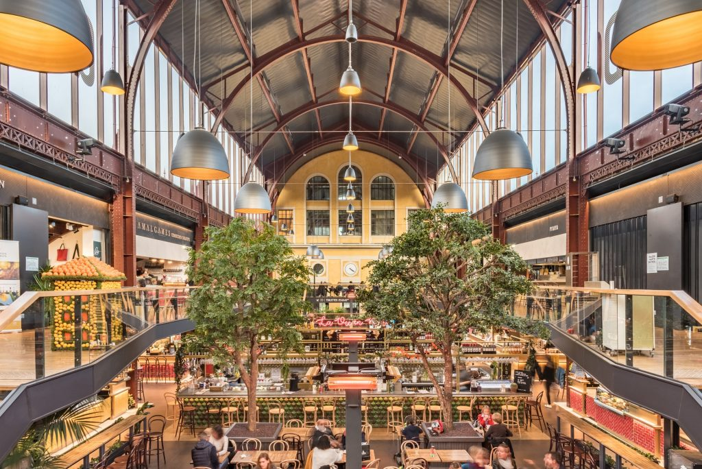 Saint-Ouen - halles - halles gourmandes - docs - marché - restaurant - ligne 14 - paris - restauration - food - market