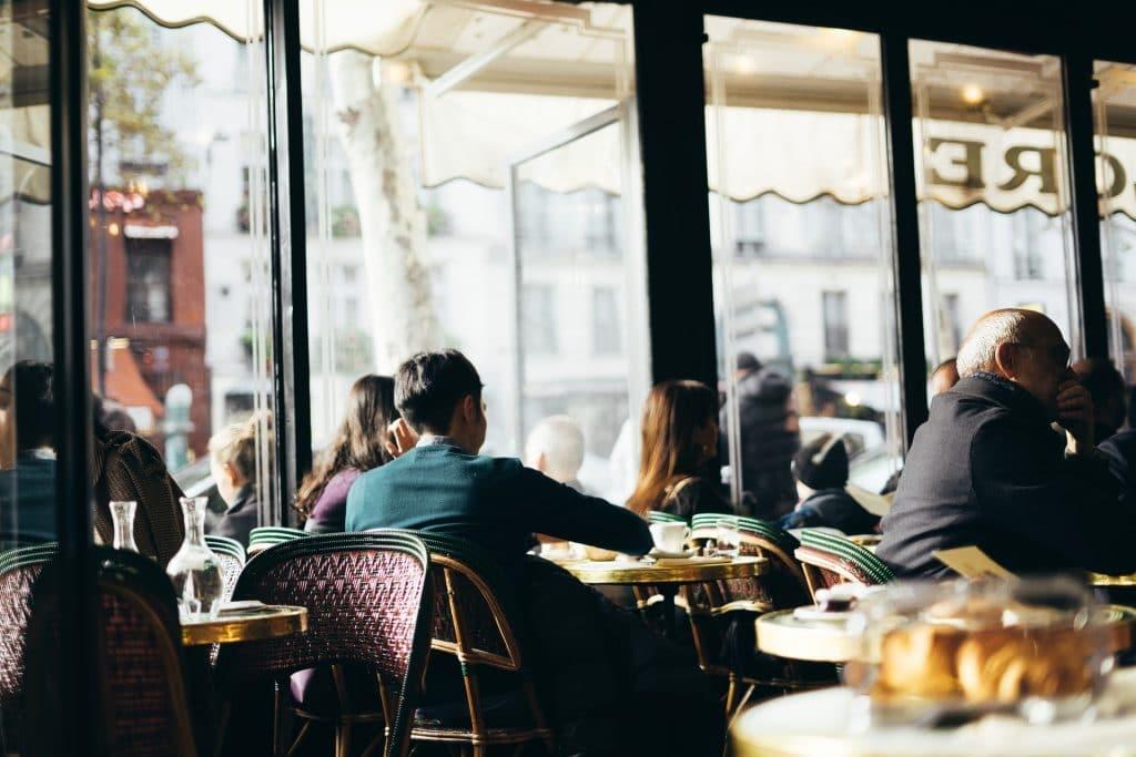 Art de vivre bistrots cafés français bientôt inscrit au patrimoine immatériel de l'Unesco