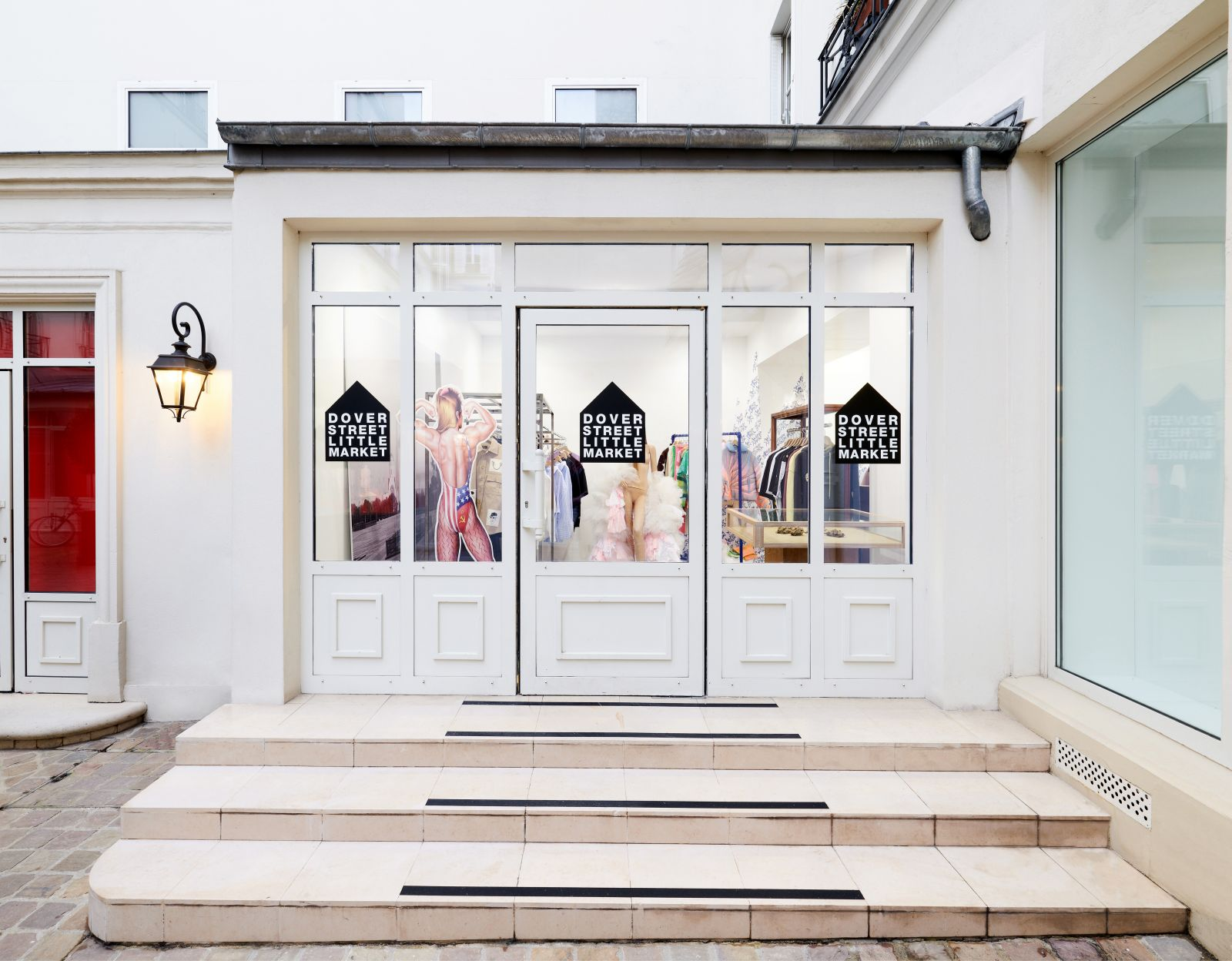 DOVER STREET MARKET INTERNATIONAL paris popup mode concept store