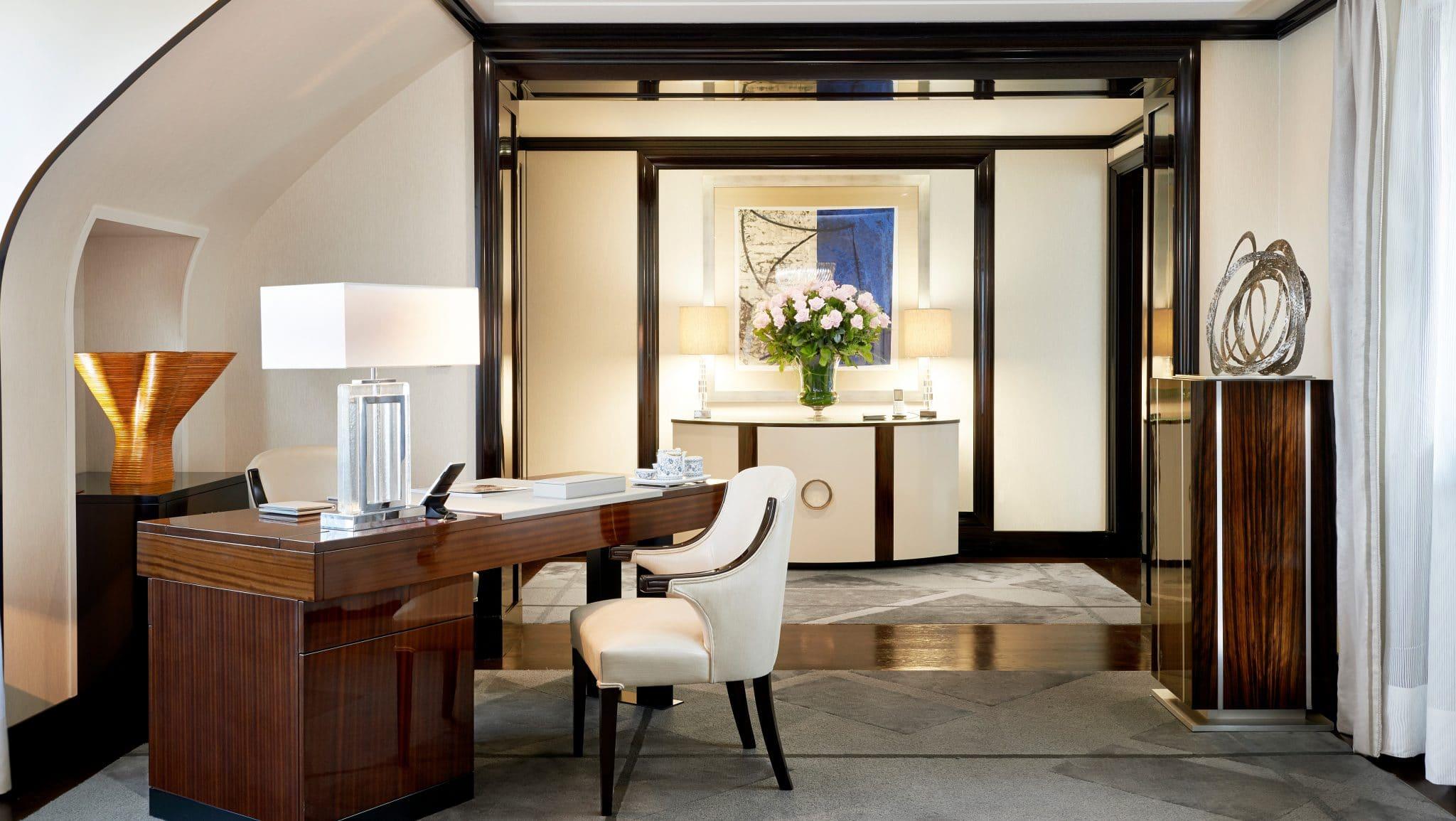The Peninsula Paris suite chambre bureau paris télétravail office hotel palace offre