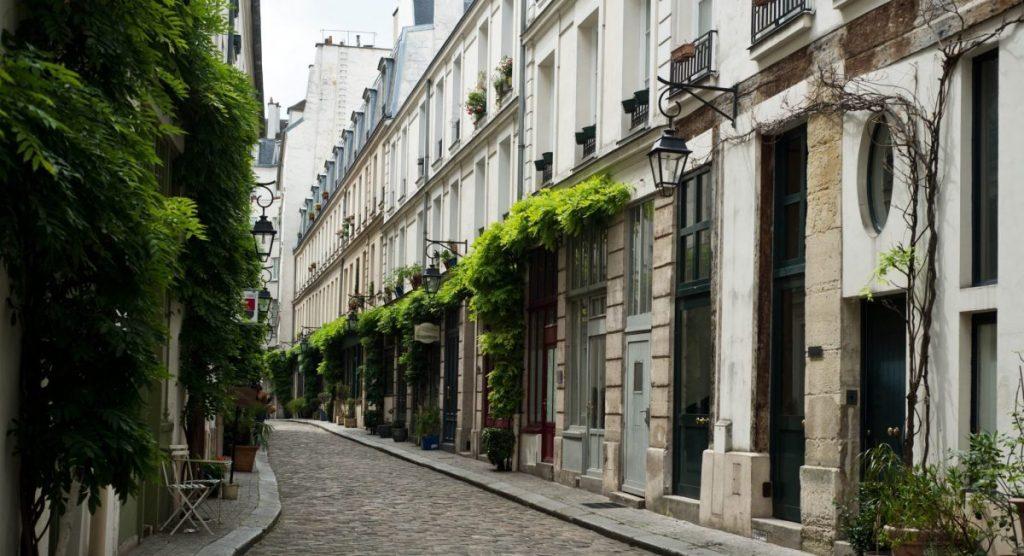 Une promenade dans les derniers villages de Paris !