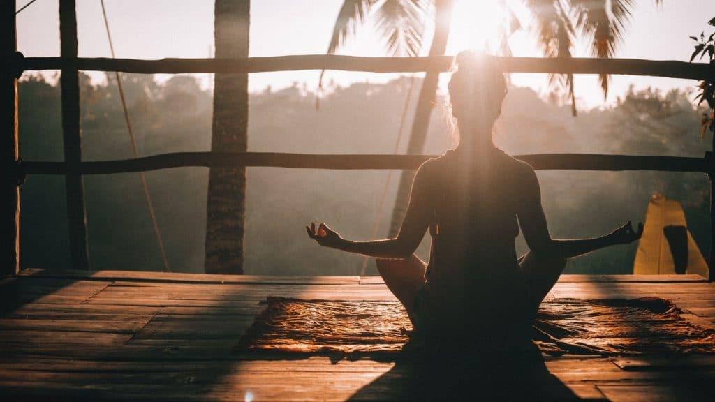 namatata application méditation relaxation détente mindfulness en ligne chez soi bien-être yoga