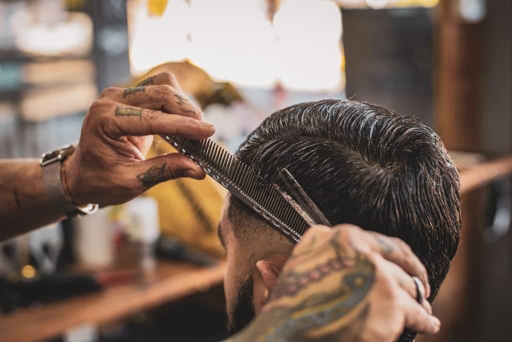 Confinement Ile-de-France les coiffeurs pourront rester ouverts Gabriel Attal