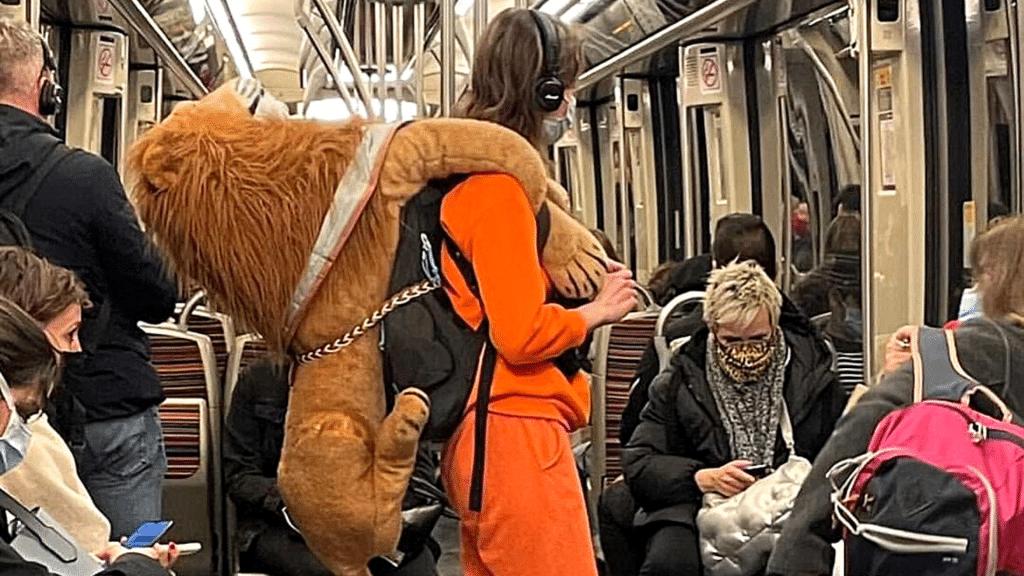 Les gens dans le métro Instagram photos WTF