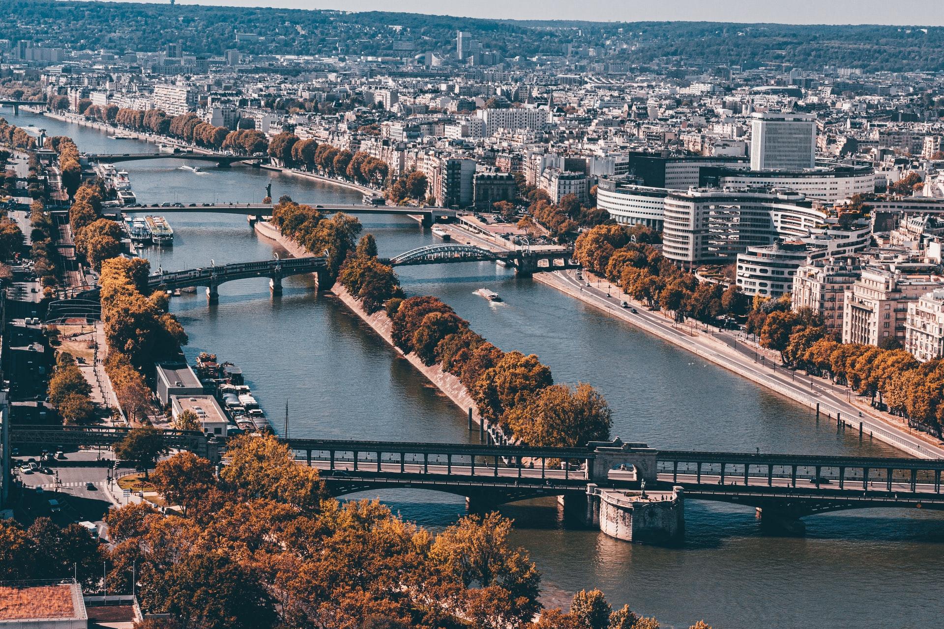 Île_aux_Cygnes,_Paris_balade nature arbres végétation