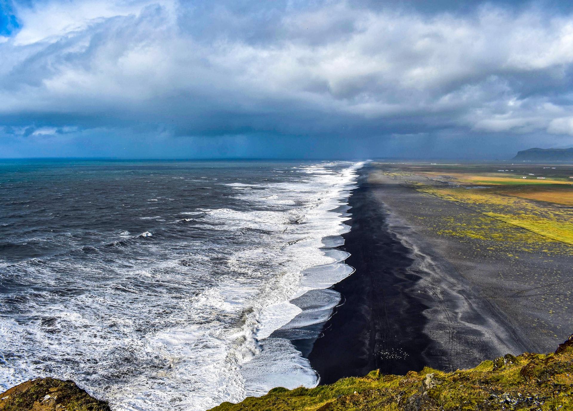 plage de sable noir vik islande
