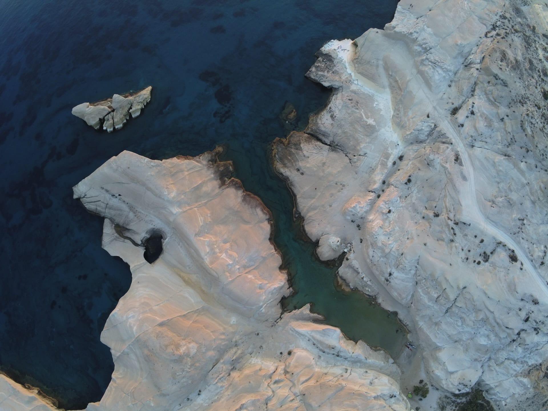 sarakiniko beach plage grèce cyclades milos