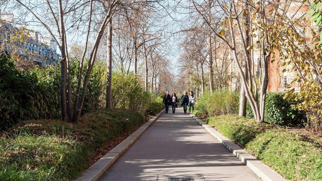 Découvrez l'histoire de la Coulée Verte, la promenade végétale de Paris !